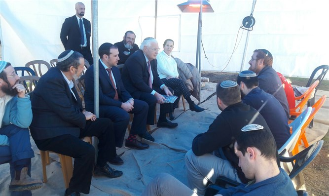 US Ambassador David Friedman visits MK Yehuda Glick during week of mourning