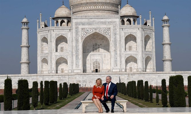 The Netanyahus at the Taj Mahal