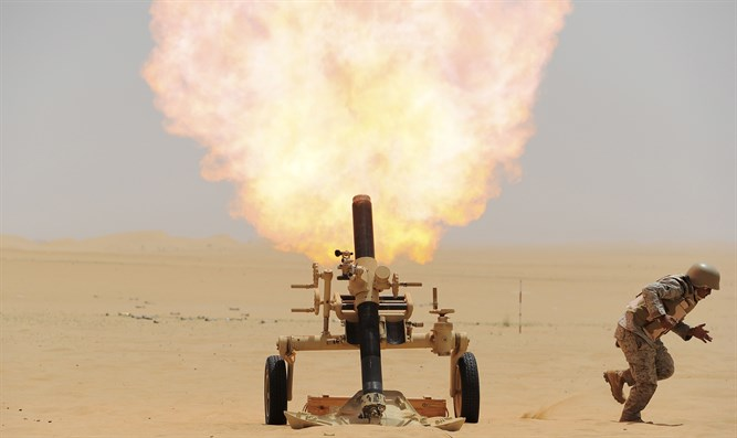 Saudi soldier fires mortar towards Houthi position at Saudi border with Yemen