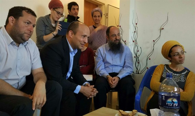 Naftali Bennett visiting the Ben Gal home