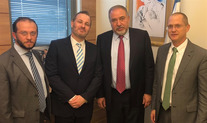 World Beytenu CEO Alex Selsky, Marlen Kruzhkov, Avigdor Liberman,  and MK Oded Forer