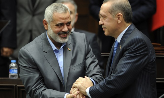 Turkey PM Recep Tayyip Erdogan (R) and Hamas Gaza leader Ismail Haniyeh
