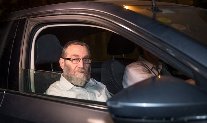 MK Moshe Gafni at the entrance to the Prime Minister's Office