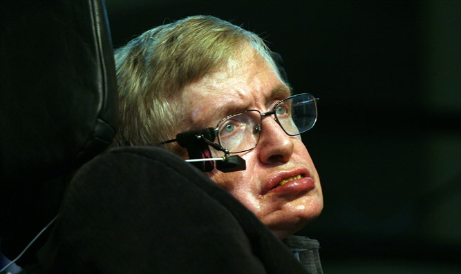 Why Stephen Hawking's voice computer spoke with an AMERICAN accent