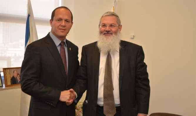Deputy Minister Ben-Dhan and Mayor Barkat