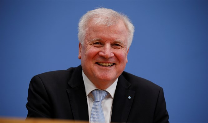 Merkel contradicts minister's remarks, says 'Islam belongs to Germany'