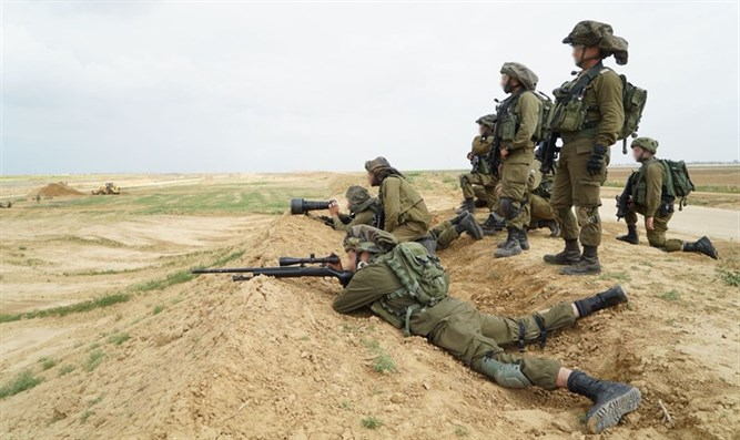 IDF forces on Gaza border