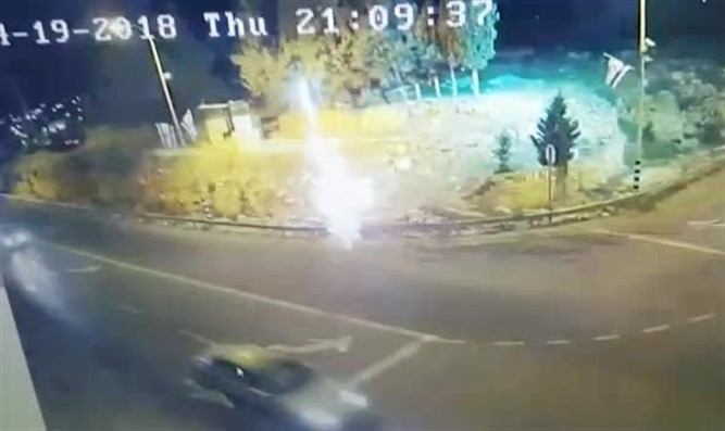 fireworks explosive thrown at Karmei Tzur Junction