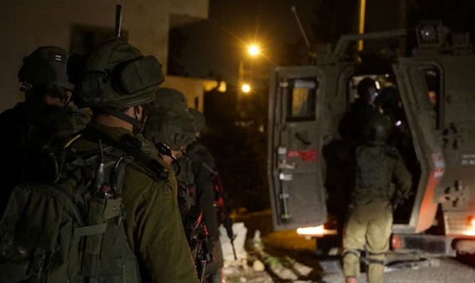 IDF forces during the arrests
