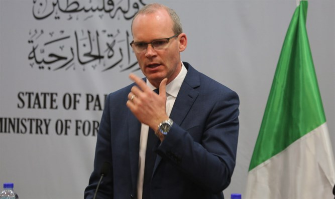 Irish Foreign Minister Simon Coveney during Ramallah visit in January, 2018