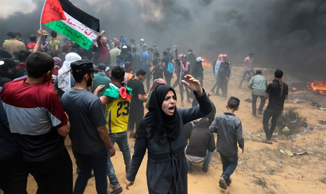 Rioting on Gaza border