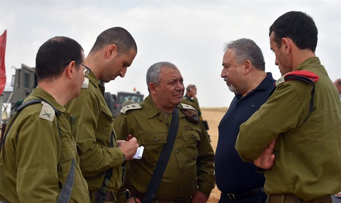 Gadi Eizenkot and Avigdor Liberman near Gaza Border