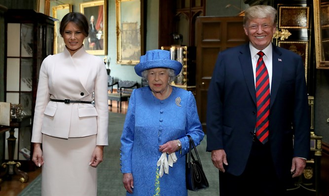 Queen Elizabeth II with Donald and Melania Trump