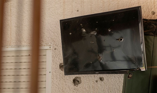 TV in Sderot damaged by rocket