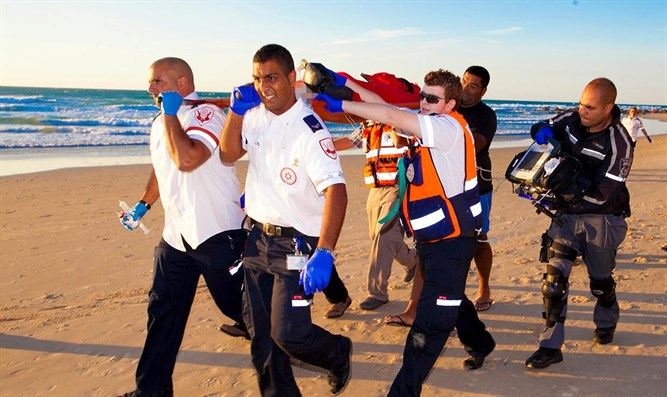 MDA personnel evacuate drowning victim