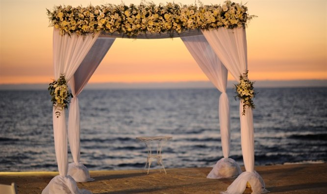 Chuppah on Sea