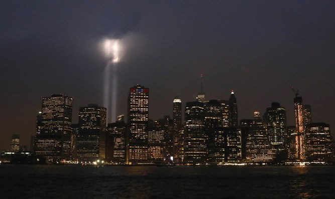 Tribute in Light installation over lower Manhattan