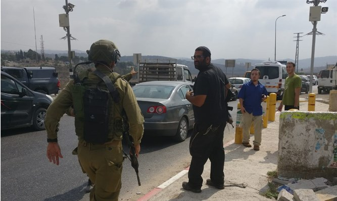 Two wounded in stabbing attack near Samaria army base