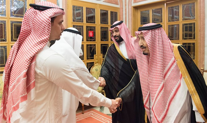 Saudi King and Crown Prince meet Khashoggi family