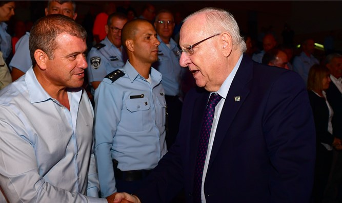 Rivlin at Israel Police ceremony