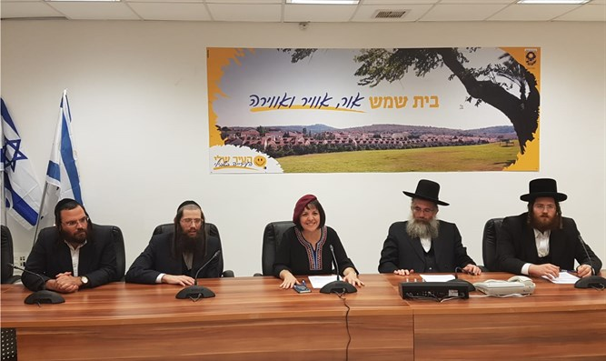 Bloch with Agudat Yisrael representatives
