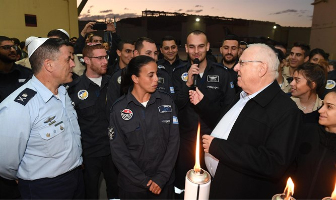 Rivlin lights Hanukkah candles with IAF crews