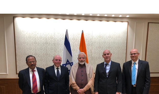 National Security Adviser Meir Ben-Shabbat with Indian PM Narendra Modi