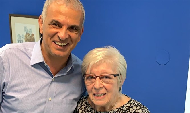 Naomi Folkman with Minister Moshe Kahlon, today