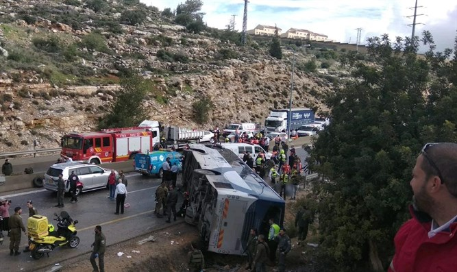 443 bus accident scene