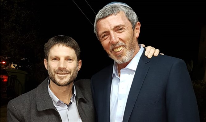 Bezalel Smotrich and Rabbi Rafi Peretz after signing the agreement