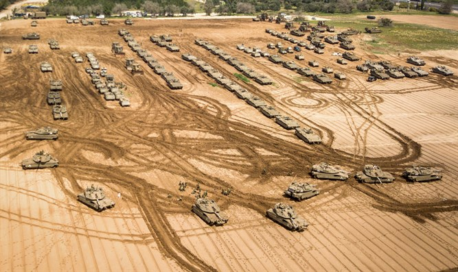 IDF tanks stationed near Israeli Gaza border