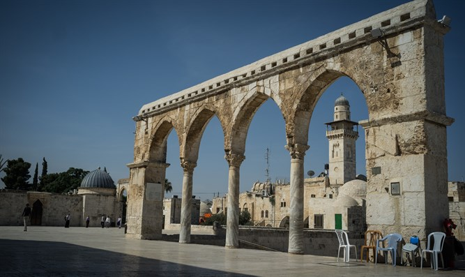 Hamas: Israel deliberately damaging Islam's holy sites