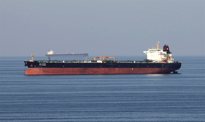 Oil tankers pass through Strait of Hormuz