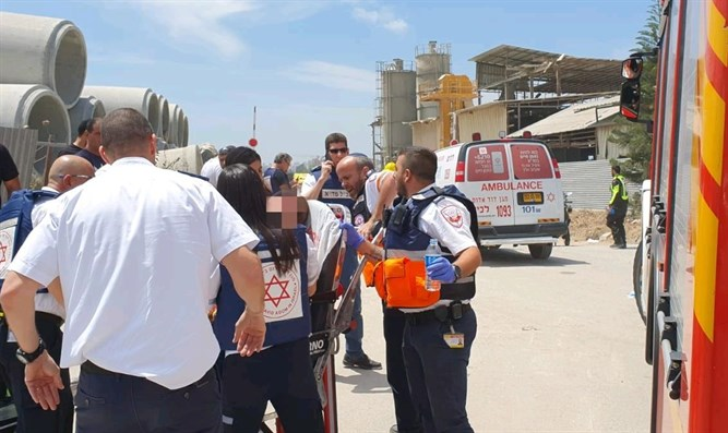 Rocket attack at Ashkelon factory