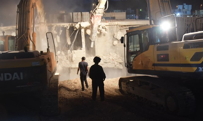 Demolition of the illegal building