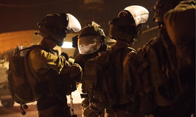IDF soldiers during operation to apprehend Dvir Sorek's murderers