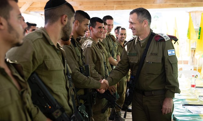 Chief of Staff Aviv Kochavi with IDF fighters