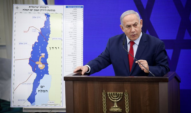 Netanyahu with Jordan Valley sovereignty map