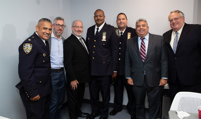 Jewish leaders meet with NYPD  brass