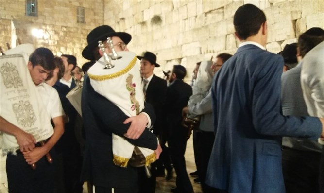 Second Hakafot at the Kotel