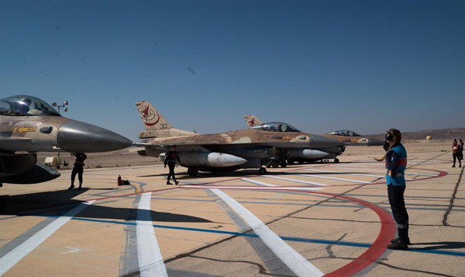 F-16 fighters preparing for Blue Flag