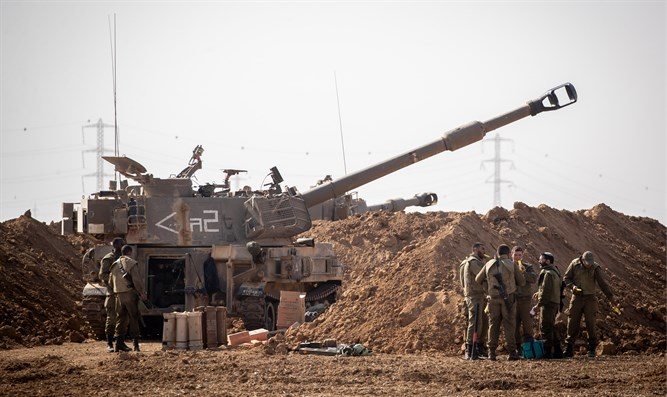 IDF Artillery at a staging area in Southern Israel