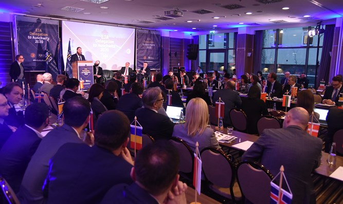 European and Jewish representatives attend Holocaust memorial event