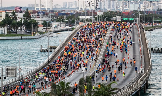 Runners in the Miami Marathon