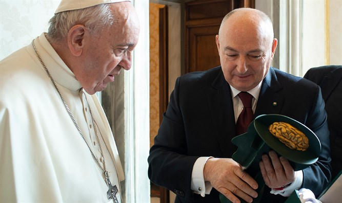 Dr. Kantor with Pope Francis, on February 14, 2020