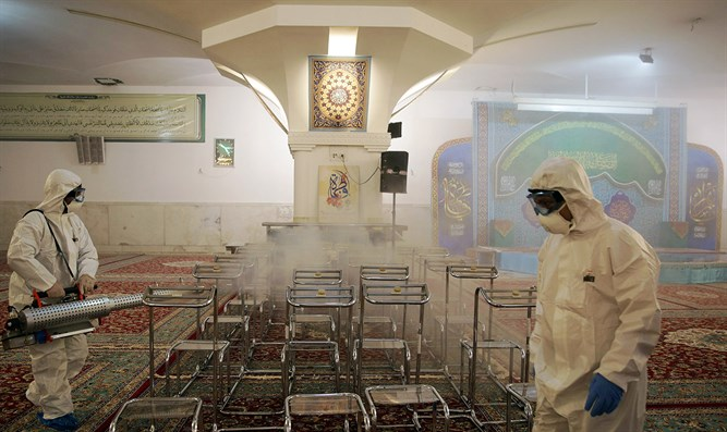 30/5000 Disinfection of mosque in Iran from the coronavirus