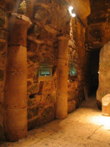 A Special Peek At The Kotel Tunnels Israel National News