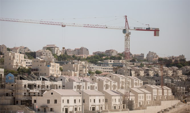 Beit Shemesh New Construction: Beit Shemesh: 'Apartment For Rent' Project Underway