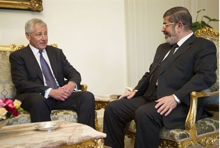 Hagel and Morsi (archive)