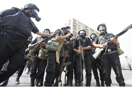 Egyptian riot police prepare to crack down on